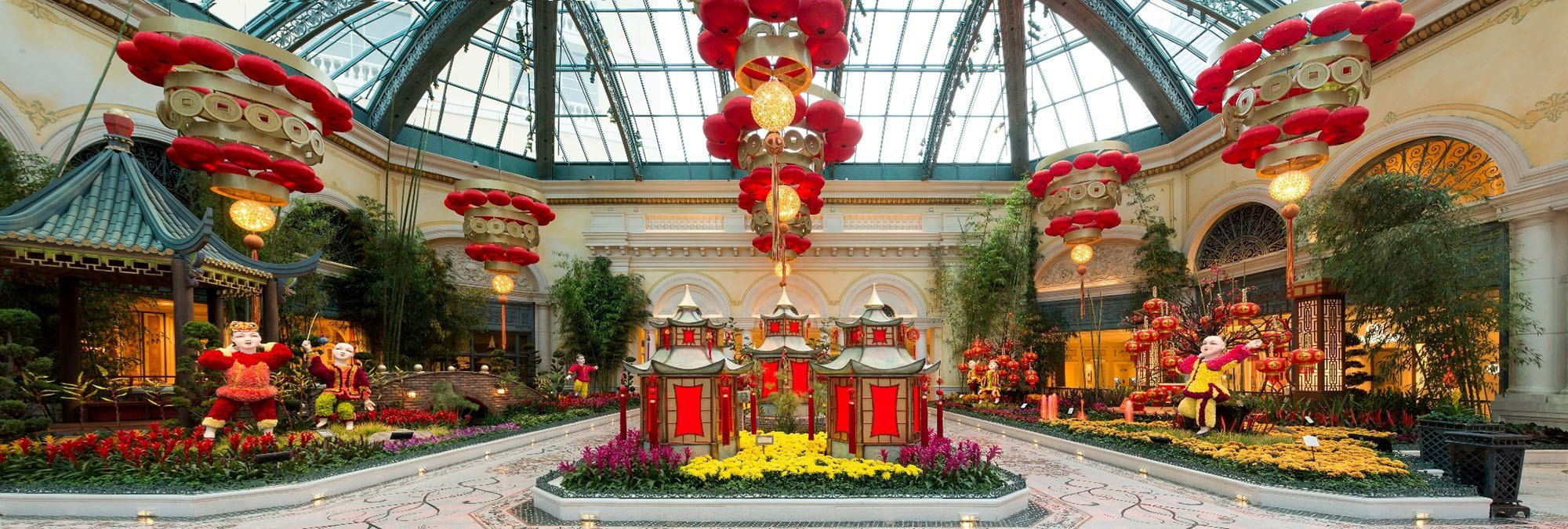 Bellagio 39 S Botanical Gardens Highlights A Picturesque Display Honoring Chinese New Year