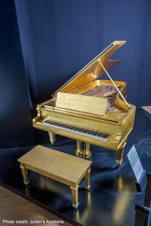 Hard Rock Cafe Elvis Presley Gold Piano