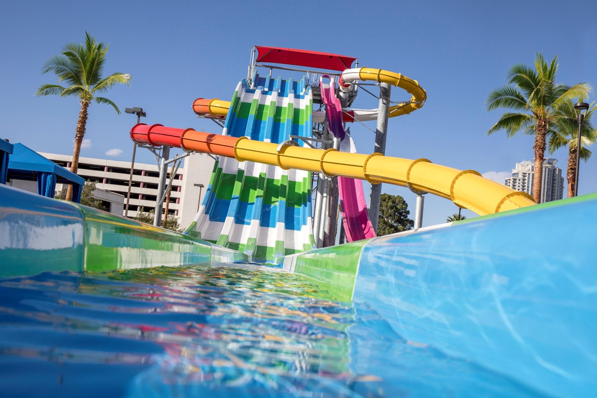 New Pool Splash Zone Experience At Circus Circus Las Vegas