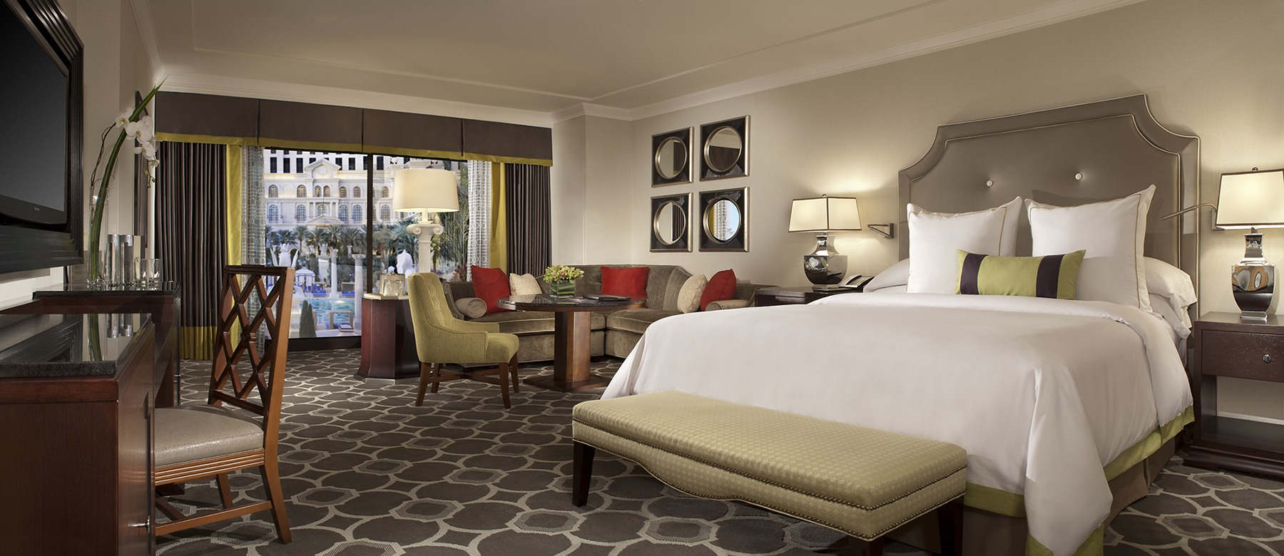 The Cromwell and Caesars Palace Las Vegas Receive Prestigious 2018 Forbes Awards